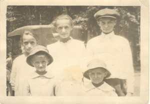 Emil Palguta, Dorothy's father, with his sisters and brothers, 1919